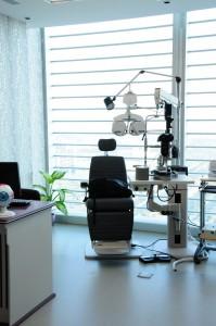 عيادة العيون مع نظام التصوير